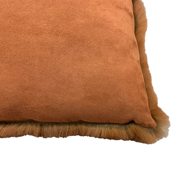Fur Cushion rouille verso Caresse Orylag