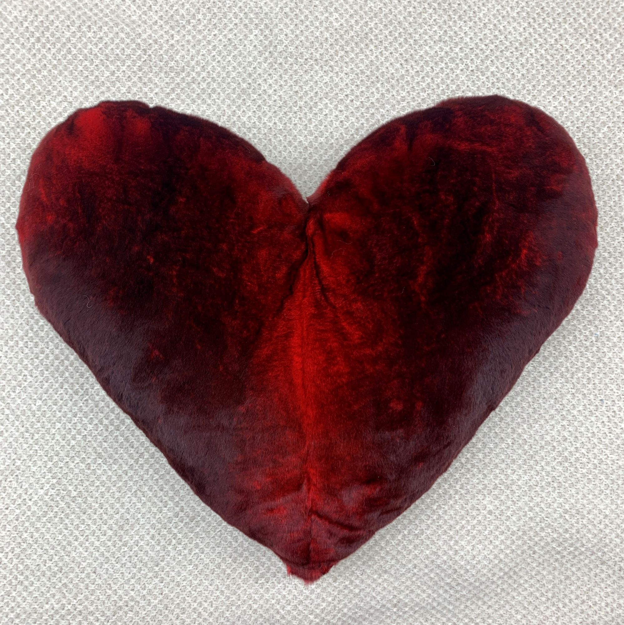 red Heart Cushion Caresse d'Orylag
